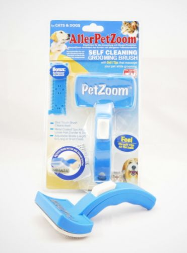 AllerPetZoom - the self-cleaning Pet Brush